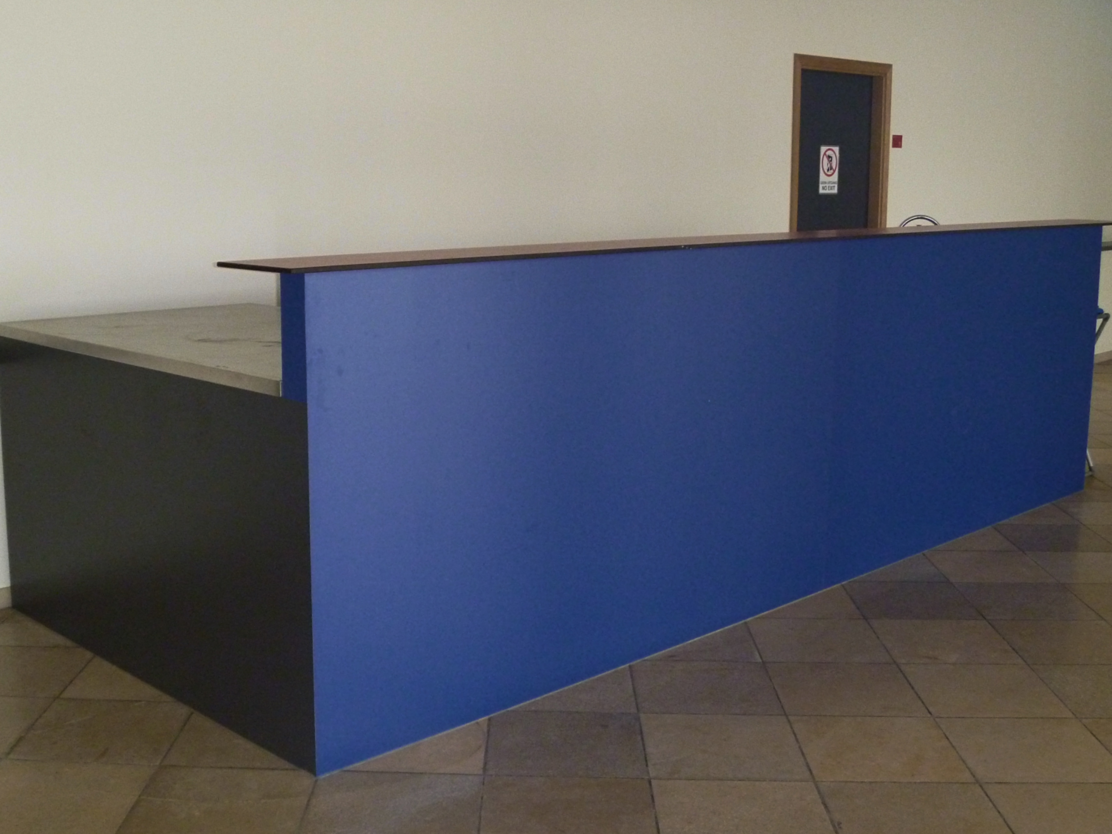 Polyvalente zaal en keuken met inox blad_4